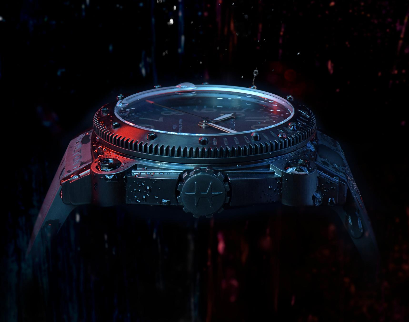Hamilton Belowzero Titanium Limited Edition Red H78505332 Lifestyle 2