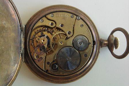 800px Zenith pocket watch insideS